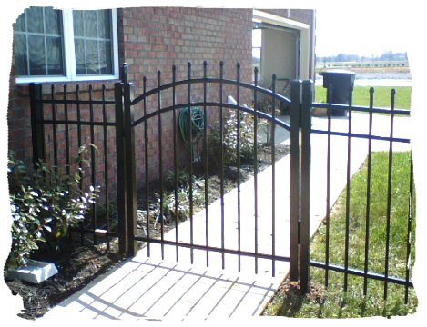 Spear Top Aluminum Fence With Arch Gate